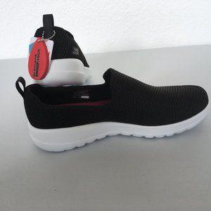 Skechers Women's Go Walk Joy Slip On Shoe 7.5 Wide